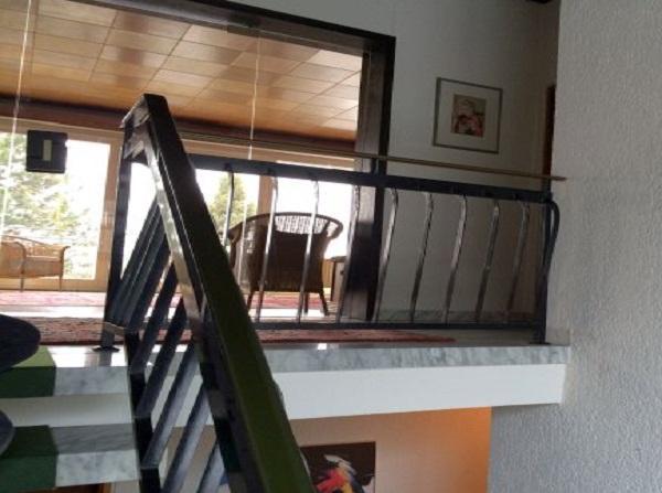 Treppenaufgang vor Umbau und Sanierung