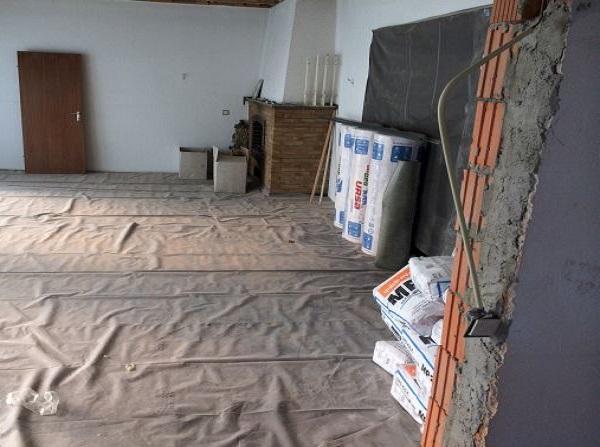 Vor Umbau und Sanierung: Wohnbereich