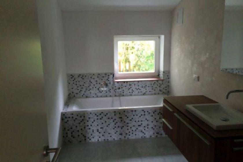 Badezimmer vor Umbau und Sanierung