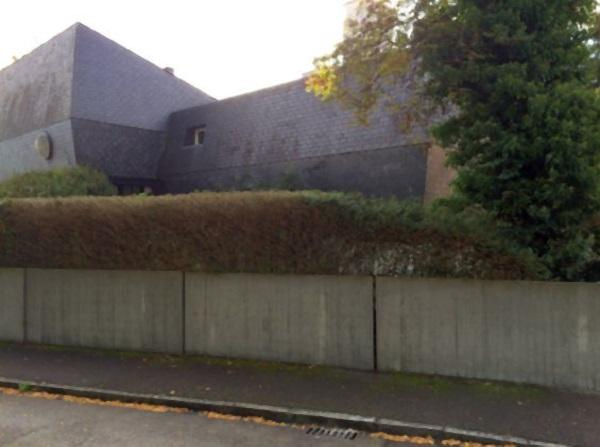 Stadtvilla Straßenseite: vor Sanierung