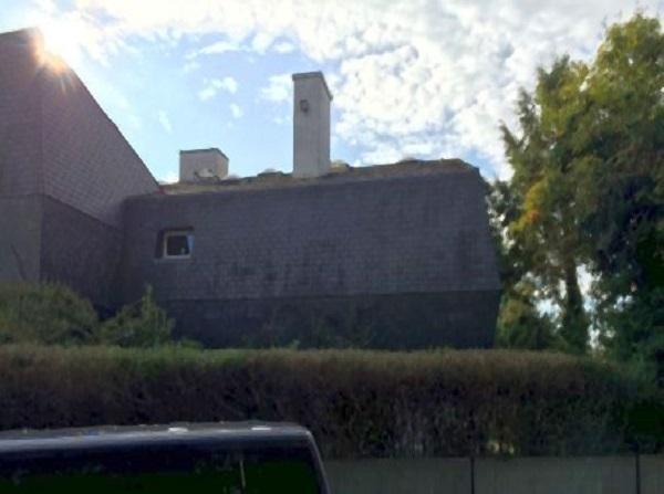 Moderne Stadtvilla vor Dachsanierung