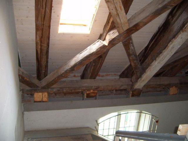 Freigelegter Dachstuhl: Bauphase