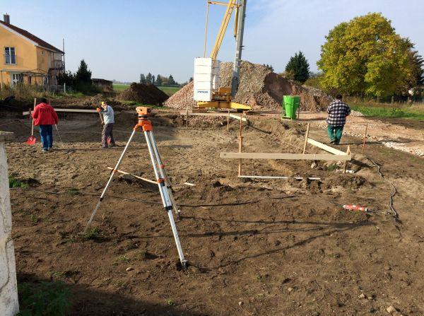 Rohbau: Nach Vermessung und Bauaushub