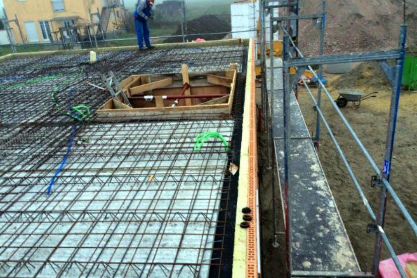 Rohbau: Schalung für Betonierung Obergeschoß