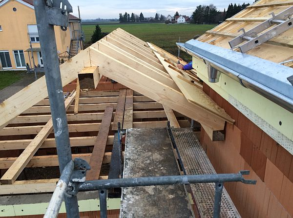 Rohbau: Dachgebälk