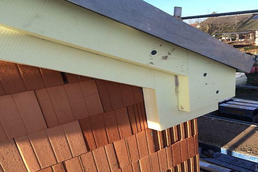 Vom Rohbau zur Fertigstellung: Detailansicht Dach