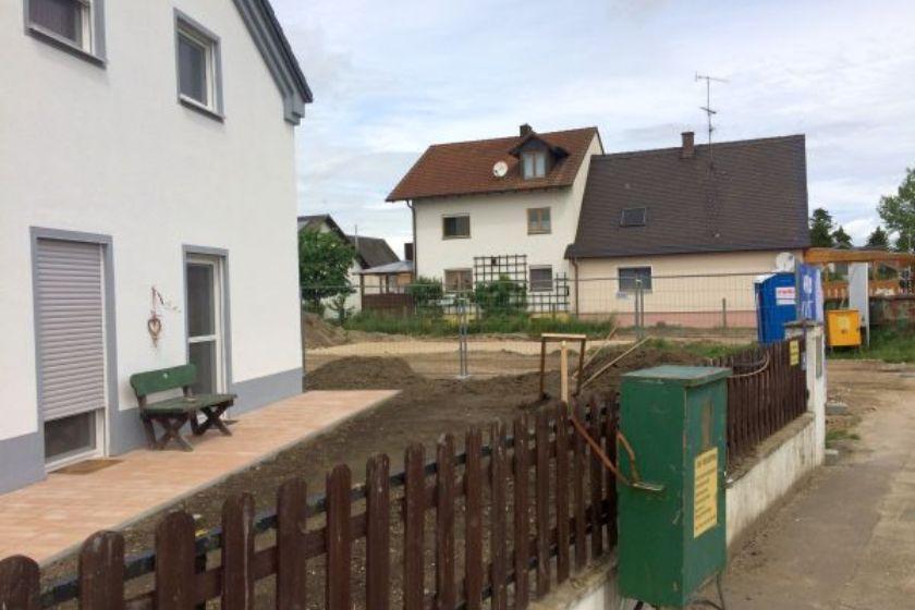 Einfamilienhaus Modell Jurahaus: Terrasse Straßenseite