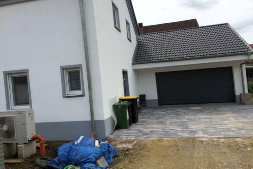 Einfamilienhaus Modell Jurahaus: Garageneinfahrt